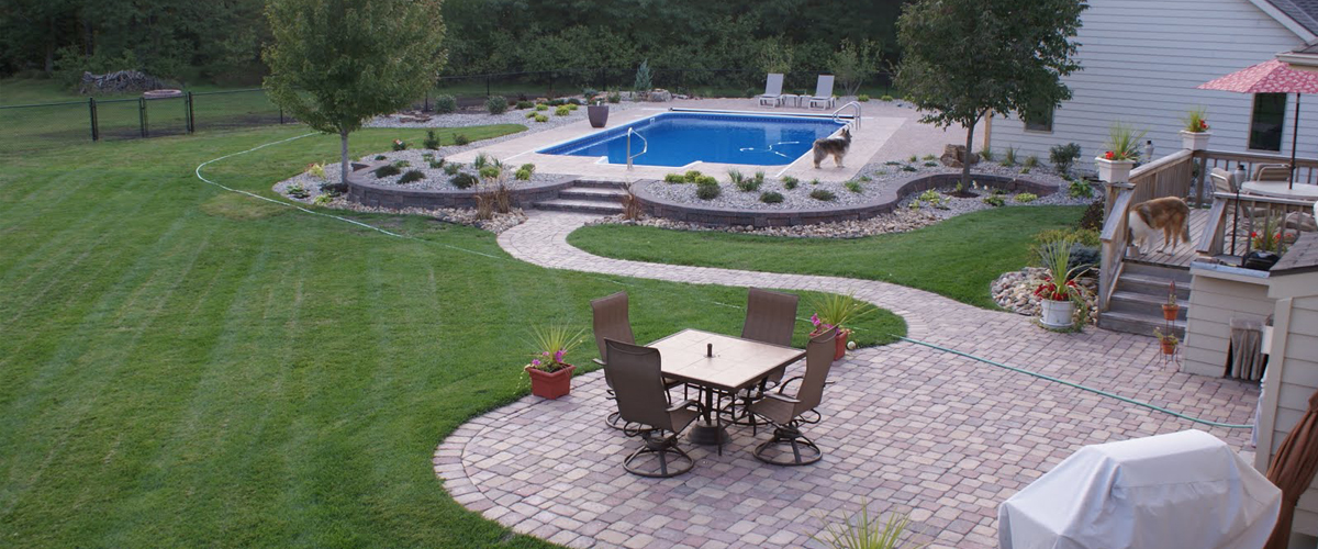 Make Your Lawn What You Want It To Be - Home - Rays Lawn CareRays Lawn Care Your Lawn. Your Landscape